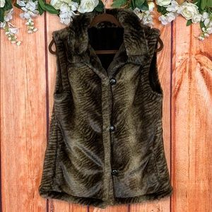 Luxurious Faux Fur Soft Reversible Sleeveless Coat